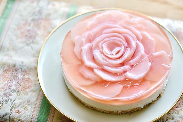 桃のババロアケーキ